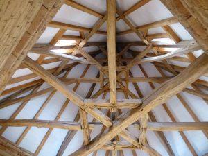 [:fr]Charpente pigeonnier renové[:en]Renovation of dove-cote structure[:]
