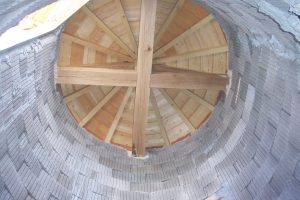 [:fr]Charpente tour ronde[:en]Conical tower roof (inside)[:]