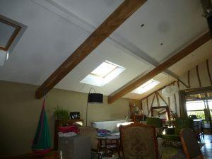 [:fr]Fenêtre de toiture velux confort GGL 138x98 avec store d'occultation[:en]Skylight 'Velux confort GGL' 138x98 with roller blind[:]