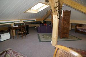 [:fr]Fenêtre de toiture Velux GHL confort 114x118 sur panneau de toiture isolé[:en]Skylight 'Velux GHL confort' 114x118 in insulated roof panels[:]