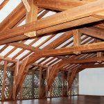 [:fr]Charpente douglas ferme à entrait retroussé[:en]Douglas pine trussed rafter roof[:]